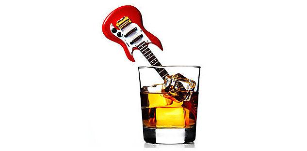Bebemos alcohol al ritmo de la música